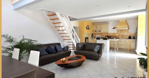 Maison T6+ Illats France 228 m carré - 340 000€