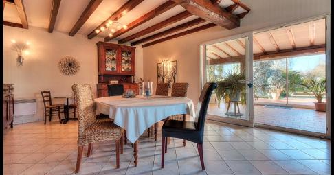Maison T6+ Bords France 217 m carré - 255 000€