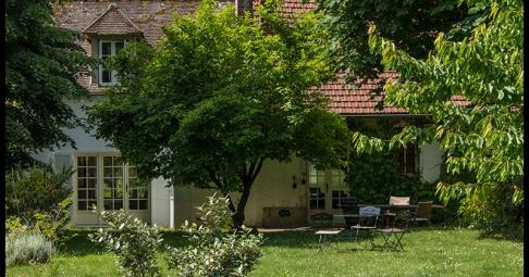 Maison T6+ Autouillet France 192 m carré - 495 000€