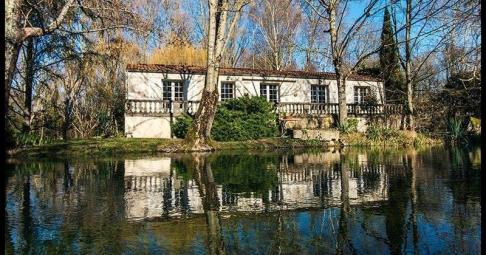 Maison T6+ Saint-Jean-d'Angély France 260 m carré - 330 000€